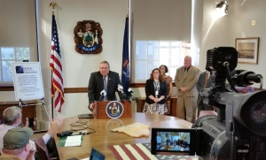 Gov. LePage hosts Maine DOE and UMFK in the Cabinet Room
